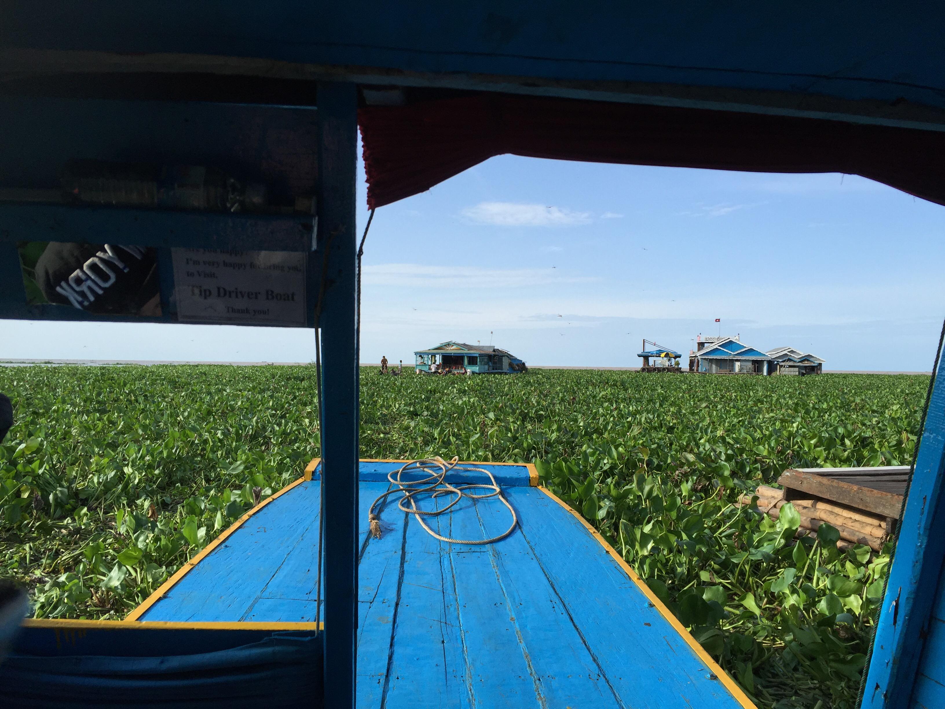 混沌としたカンボジアの側面、トンレサップ湖