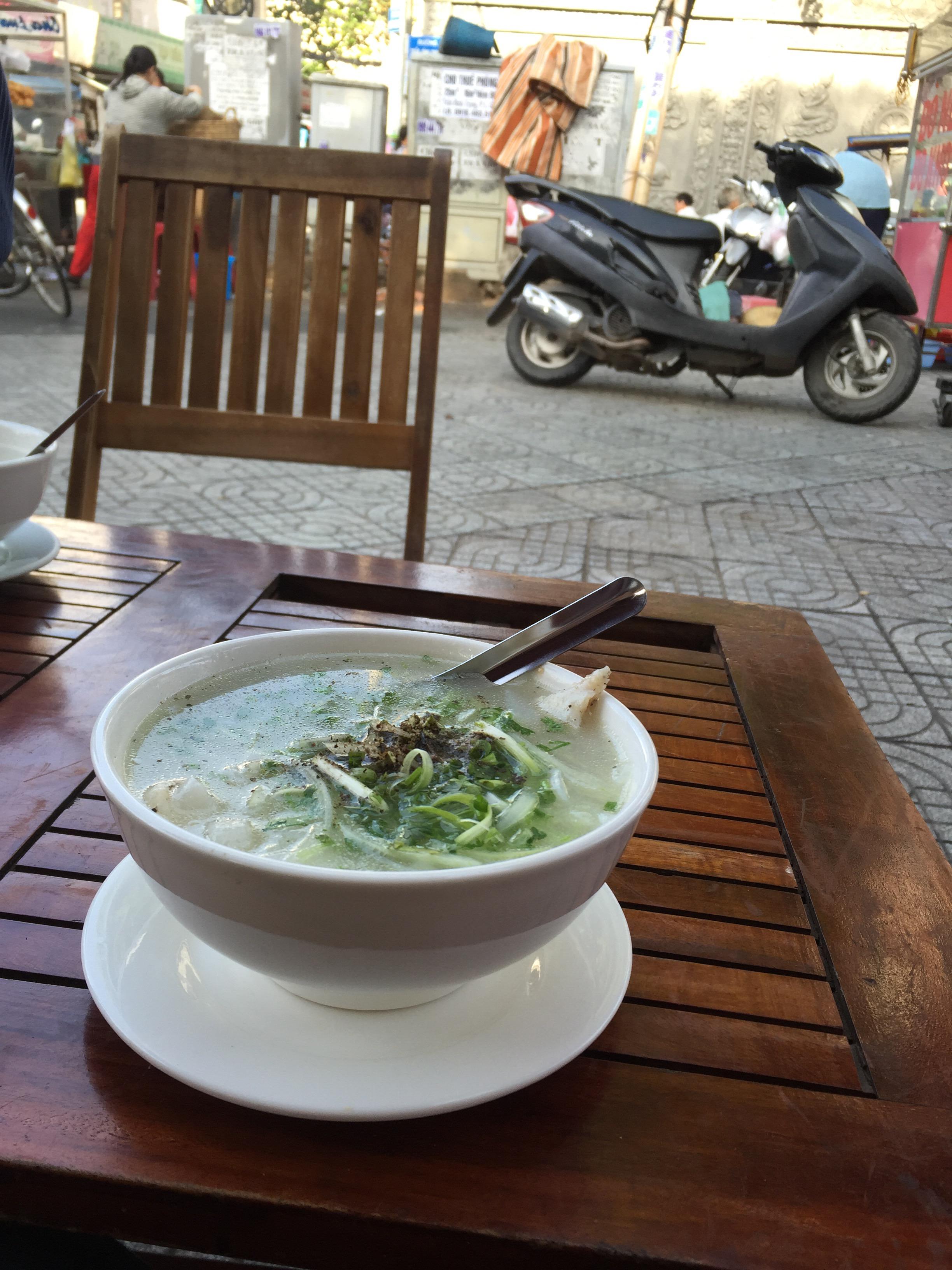 ベトナムの朝食はやっぱり最高!