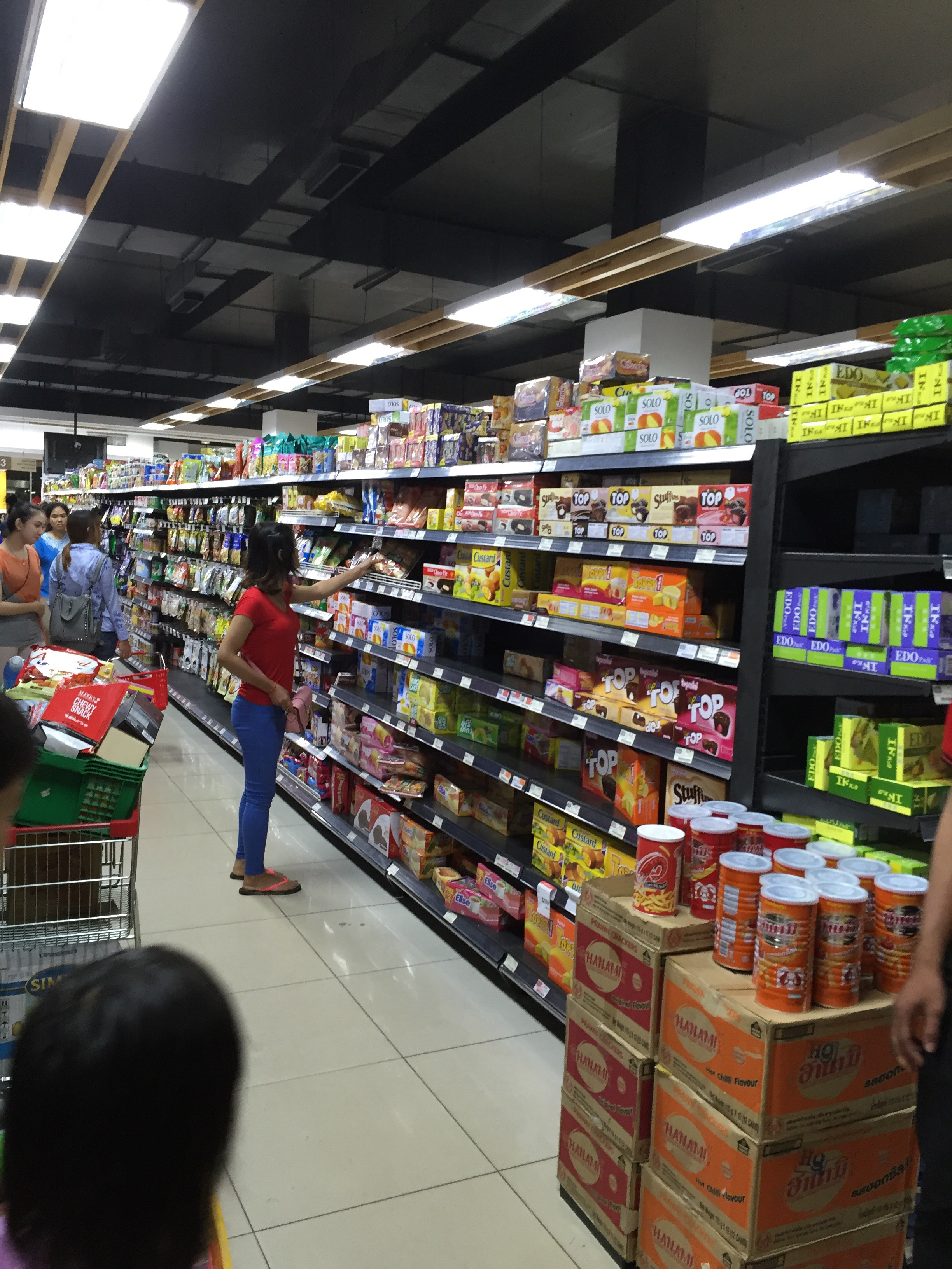 カンボジア アンコールワット スーパーマーケット 品揃え